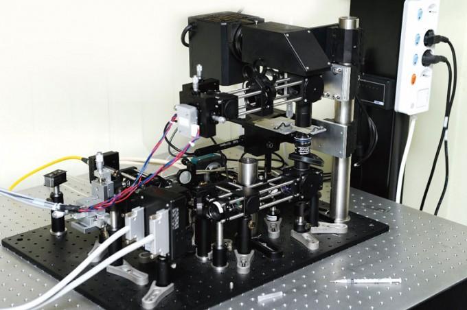 광주과학기술원(GIST)이 자체 개발한 광집게 장치. 이용구 제공