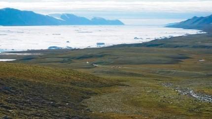 그린란드 북부 지역은 북극에서 가장 가까운 극한의 땅이다. 이 지역에서 납, 아연 등 지하광물이 풍부하다는 사실이 알려지면서 최근 많은 기업들이 관심을 갖고 있다. 사진은 그린란드 최북단 시리우스 파세트 인근. 극지연구소 제공