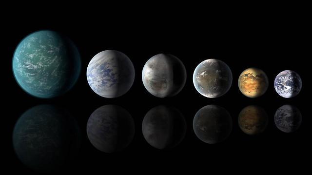 지금까지 케플러가 발견한 지구와 닮은 꼴 행성들. 왼쪽부터 케플러-22b, 케플러-69c, 케플러-452b, 케플러-62f, 케플러-186f, 지구- NASA 제공