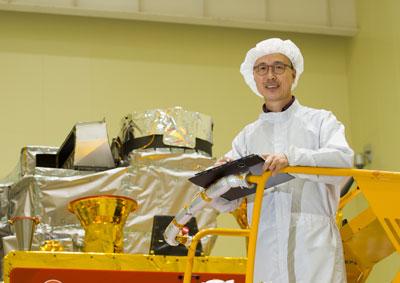 양군호 한국항공우주연구원 정지궤도복합위성사업단 책임연구원.'천리안 1호' 때는 본체를 총괄하는 위성 시스템을, 2A호 때는 탑재체 설계를 맡았다.