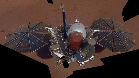 """""""화성에 잘 도착했어요"""" NASA 인사이트호 셀피 공개"""
