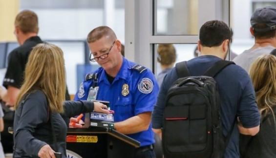 美시카고 오헤어공항, '자동화 3D CT 검색대' 첫 운영