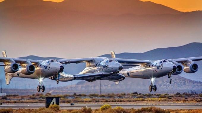미국 우주개발기업 버진갤럭틱의 우주선 ′VSS 유니티′가 이달 13일 우주비행사 두명을 싣고 고도 82.7㎞까지 나는 데 성공했다. -버진갤럭틱 제공