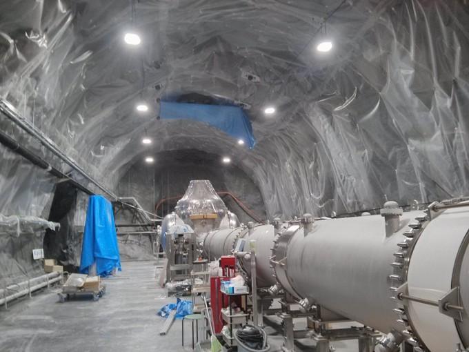 일본에서 내년 상반기 장비 가동에 들어가는 중력파 관측시설 ′카그라(KAGRA)′. -사진제공 Christopher Berry(W)