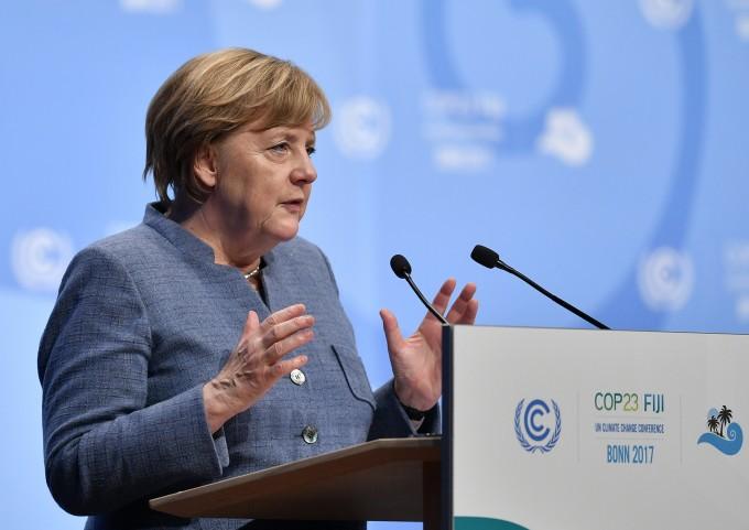 앙겔라 메르켈 독일 총리가 지난해 독일 본에서 열린 '제23차 유엔기후변화협약(UNFCCC) 당사국총회(COP23)'에서 연설을 하고 있다. - AFP=연합뉴스