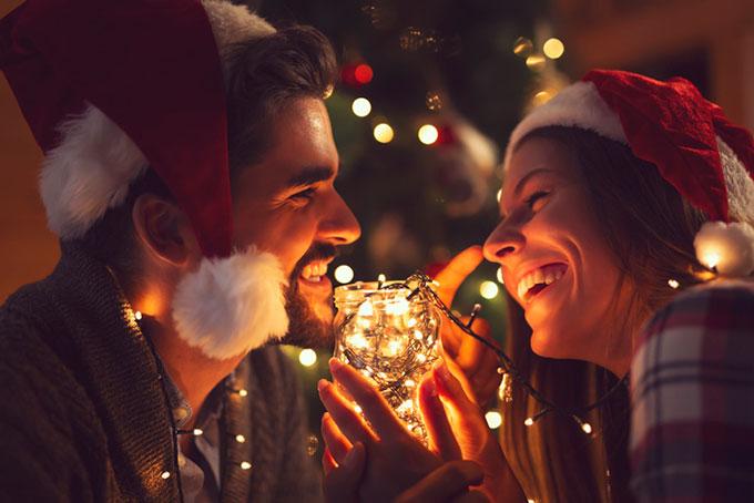 다가오는 크리스마스에 AI 연인이 독자 여러분에게 데이트 신청을 한다면, 응하시겠습니까. 게티이미지뱅크 제공