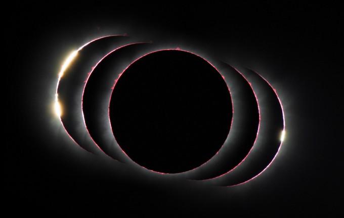 천문학 부문 우승작인 '하늘의 세 다이아몬드'. 2013년 11월 3일 우간다에서 있었던 혼성일식을 담았다. 일식이 시작될 때(왼쪽) 마치 다이아몬드 2알이 박힌 반지처럼 플레어가 반짝이는 것을 볼 수 있다. 금환일식과 개기일식이 둘 다 진행되는 혼성일식은 달 주위로 빛나는 태양과 완전히 가려진 태양을 동시에 볼 수 있다. 다음혼성일식은2023년 4월 호주 서부와 인도네시아에서 찾을 수 있다. 페트르 호라렉/영국왕립학회 제공