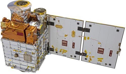 차세대소형위성 1호. KAIST 인공위성연구소가 과학 연구와 국산 위성부품 시험용으로 개발한 위성으로 가로세로 각각 0.6m, 높이 1m에 무게는 107㎏ 수준이다. - KAIST 제공