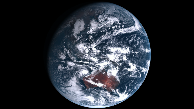 한국이 독자 개발한 첫 정지궤도위성인 기상위성 ′천리안 2A호′가 상공 3만6000㎞에서 26일 관측한 지구의 모습. - 한국항공우주연구원 제공