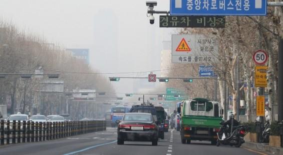 내달부터 민간발전소·금속제조·시멘트 사업장도 미세먼지 비상저감조치 의무화