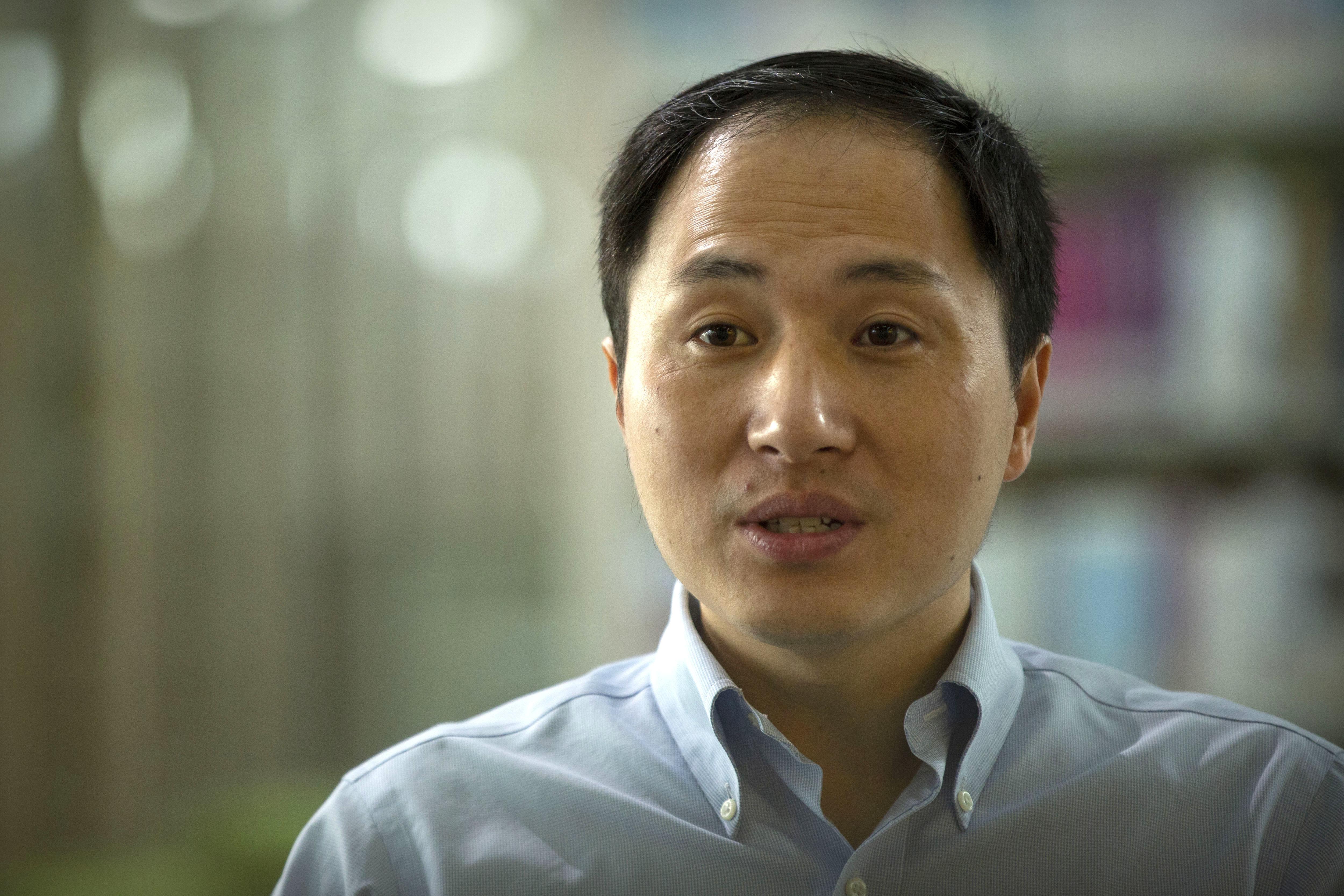 지난해 대중과 과학계를 경악케 한 '유전자 편집 아기'의 존재가 공식 확인됐다. 중국 정부는 관련 법에 따라 허젠쿠이(贺建奎) 중국 남방과기대 교수를 엄벌에 처할 것이라고 밝혔다.-AP 제공