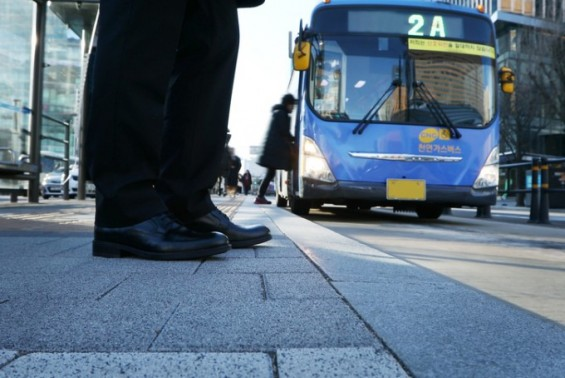 """""""대중교통 이용하면 건강해진다""""는 말은 '사실'"""