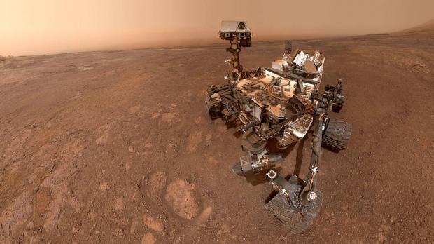 이달15일 미국항공우주국(NASA)의 화성 탐사선 큐리오시티가 촬영한 셀카. NASA 제공