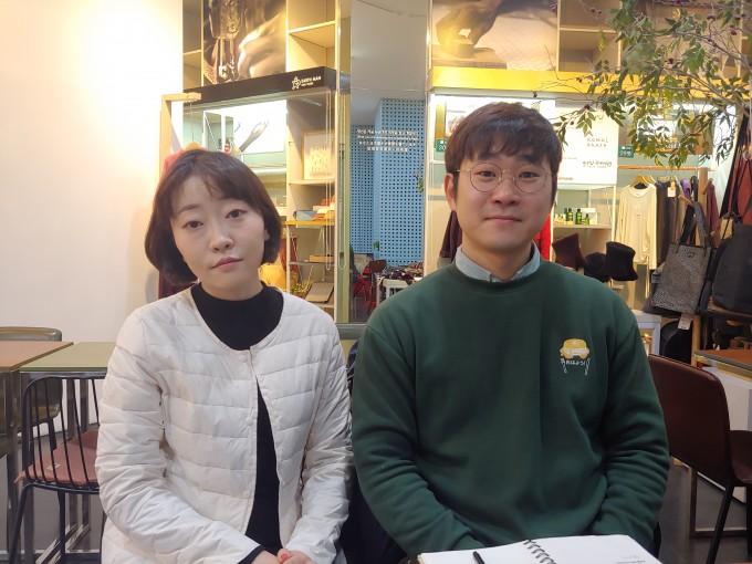 이달 9일 오후 1시 서울시청 내 카페에서 만난 대학원생노동조합 구슬아 지부장(왼쪽)과 신정욱 사무국장이 인터뷰를 하고 있다. 조승한 기자 shinjsh@donga.com