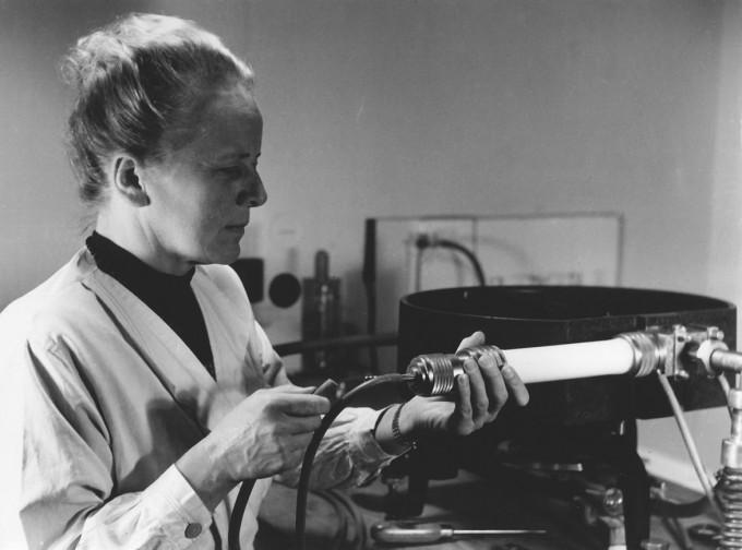 75번 원소 레늄(Re)을 발견한 독일 화학자 이다 노다크는 남편과 같은 곳에서 일했지만, 남편과 달리 무급 초대연구자로 일했다. 루뱅가톨릭대 기록보관소 제공