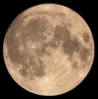 슈퍼문은 달이 지구와 가장 가까워졌을때 나타나는 크고 밝은 보름달이다. 평소보다 더 크게 관측된다. -위키백과 제공
