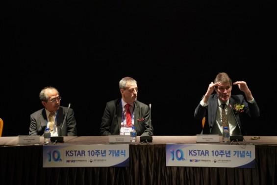 """해외석학들 """"핵융합은 '아무도 가지 않은 길' 2030년대면 효율 윤곽"""""""