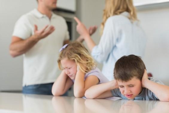 소리 지르는 엄마가 아이 뇌 구조 바꾼다