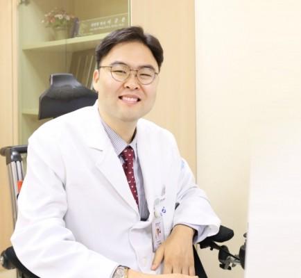 이규환 분당서울대병원 교수, '스마일 봉사상' 보건복지부 장관상 수상