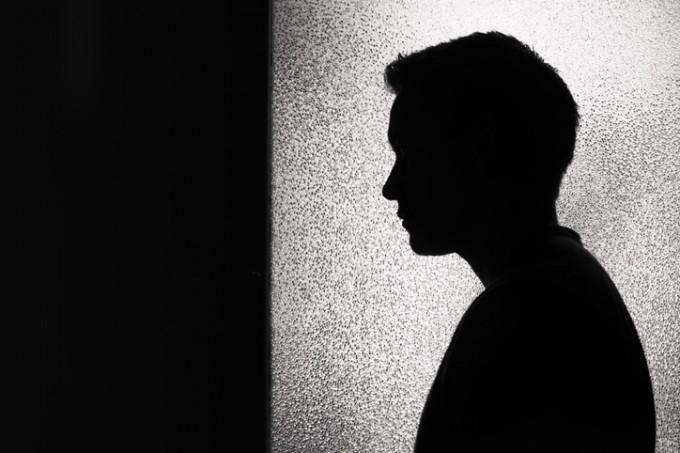 공과금 및 건강보험료 연체가 자살 생각이나 시도 위험과 상관관계가 있다는 연구 결과가 나왔다. 자살 고위험군 선별 및 관리에 활용할 수 있을 것으로 기대된다. 게티이미지뱅크코리아 제공