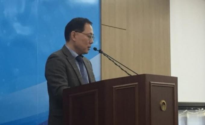강건기 과학기술정보통신부 연구개발투자심의국장이 정부R&D 중장기 투자전략에 관해 브리핑을 진행하고 있다. 이후 언론 질의 응답을 진행했다. 고재원 기자 jawon1212@donga.com