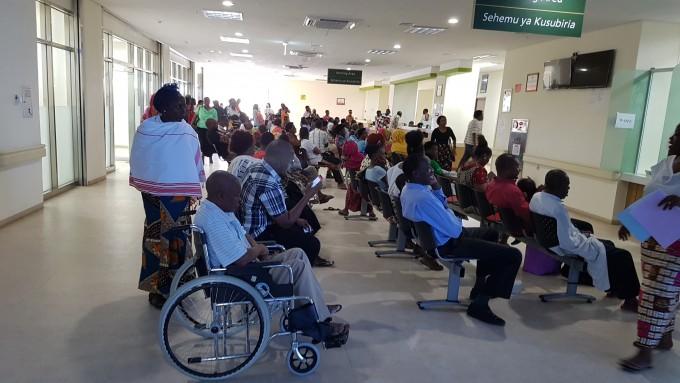 무하스의대 부속병원에서 진료를 기다리고 있는 환자들. 허승곤 교수 제공
