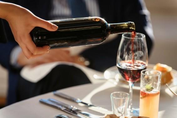 매주 750ml 와인 한병 마시면 암 발병률 높아져