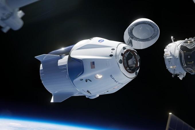 스페이스X의 크루드래건과 국제우주정거장의 도킹 장면 상상도. -사진 제공 스페익스X