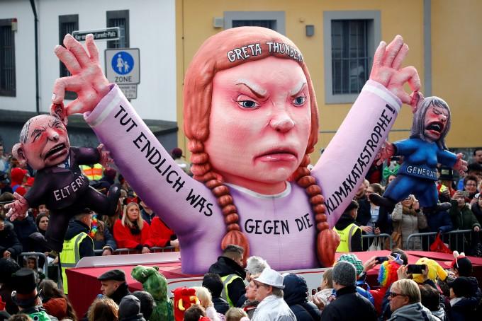 청소년들이 전세계 국가들에 근원적인 기후변화 대책 수립과 실행을 요구하며 들고 일어났다. 15일 전세계에서 청소년들의 등교거부 시위가 벌어진다. REUTERS/연합뉴스 제공.