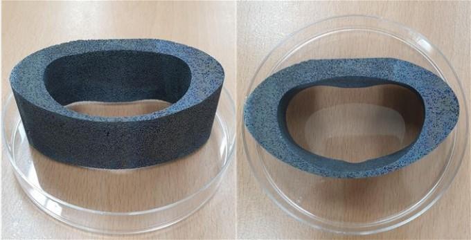 금형몰드를 이용해 제작한 무릎관절용 다공성 임플란트 시제품. 한국생산기술연구원 제공