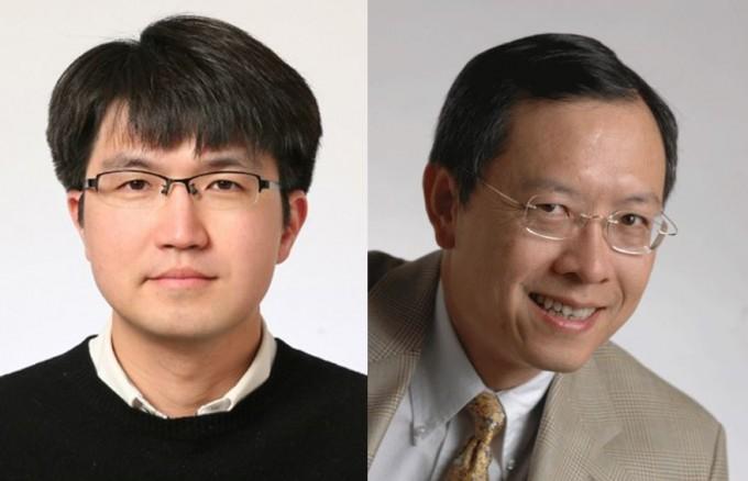 광주과학기술원(GIST)은 석태준(왼쪽) 전기전자컴퓨터공학부 교수와 밍우(오른쪽) 미국 버클리 캘리포니아대 전기전자컴퓨터공학과 교수 연구팀은 광섬유를 이용해 빛의 정보교환을 기존보다 1만배 빠르고 효과적으로 재구성할 수 있는 광스위치를 개발했다고 25일 밝혔다.