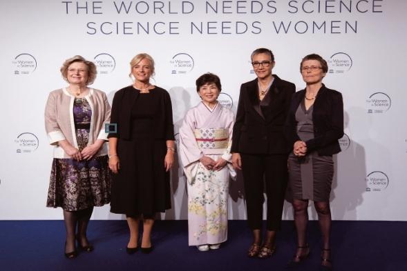 지난 3월 14일에 열린 시상식에 참가한 부아쟁 교수(맨 오른쪽)와 수상자들. 시상식은 프랑스 파리에 있는 유네스코 본부에서 열렸다. 유네스코 제공