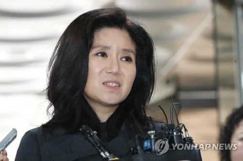 '동물 안락사' 케어 박소연 대표 영장 기각…