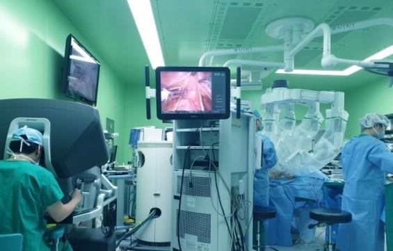 [미리 체험하는 의료로봇]③ 게임보다 더 직관적인 로봇 외과의사