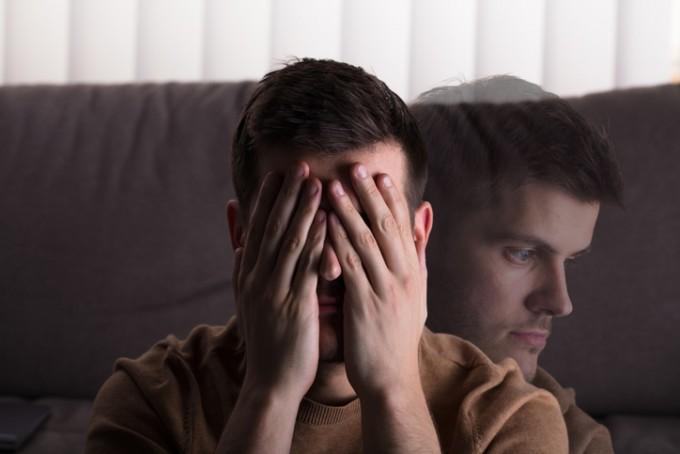 과거 ′정신분열병′으로 불린 조현병은환청과 망상 증상을 보이다시간이 지나면 의심,무기력 증상을 보인다. 스스로 병원 문을 두드리는 경우가 아주 드물다.게티이미지뱅크 제공