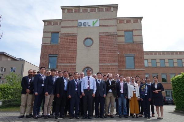 한국원자력연구원이 23~24일 벨기에 브뤼셀에서 원전 안전성 향상 국제공동연구인 ′OECD-아틀라스(ATLAS) 2차 프로젝트′의 4차 진도점검회의를 열었다. 한국원자력연구원 제공