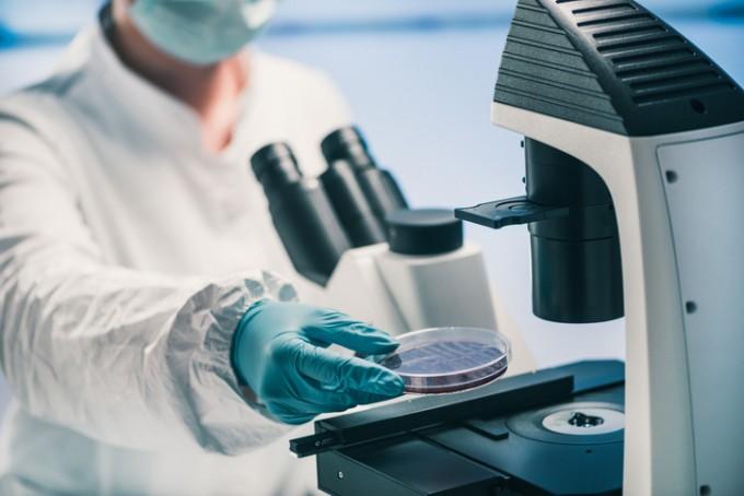 과학자들은 병원성을 가진 슈퍼박테리아 외에도 흙이나 강물 등 자연환경에 존재하고 있는 항생제 내성 세균과 유전자를 찾고 있다. 세균이 진화하면서 자연스럽게 나타나는 현상으로 보고 있다. 게티이미지뱅크 제공