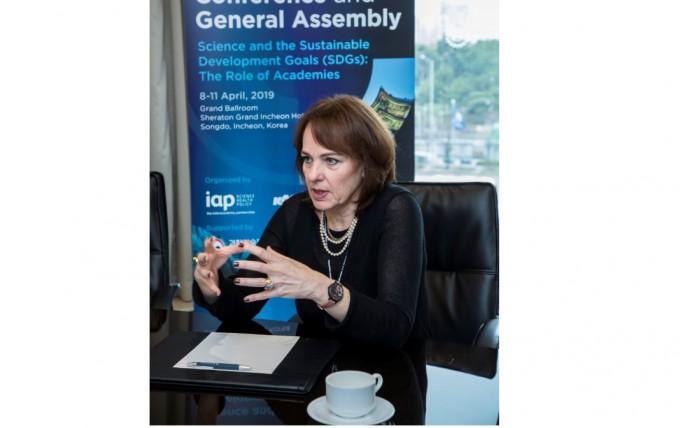 하이디 핵만 UN ISC CEO는 9일 인천 연수구 쉐라톤그랜드호텔에서 열린 ′2019 국제한림원엽합회 콘퍼런스′에 발표자로 방한했다. 한국과학기술한림원 제공.