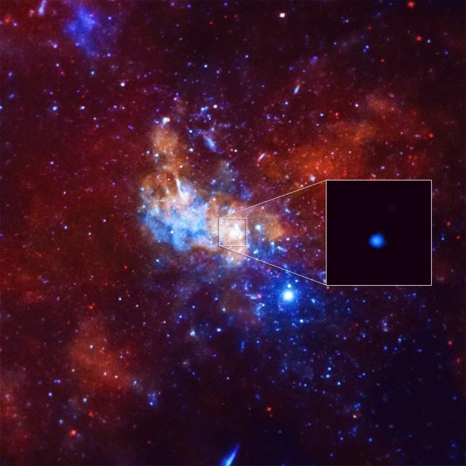 찬드라 X선 관측선이 관찰한 궁수자리 A* 의 모습. NASA 제공