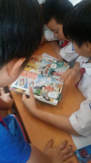 어린이과학동아베트남판 '코아 홉' 에는 특집기사, 과학뉴스, 만화, 퍼즐 등이실려있다. 어린이과학동아 제공