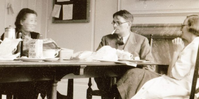 루궤이전은 연인이었던 니덤의 부인 도로시 니덤과 함께 피루브산에 대한 논문 8편을 출판했다. publicseminar.org