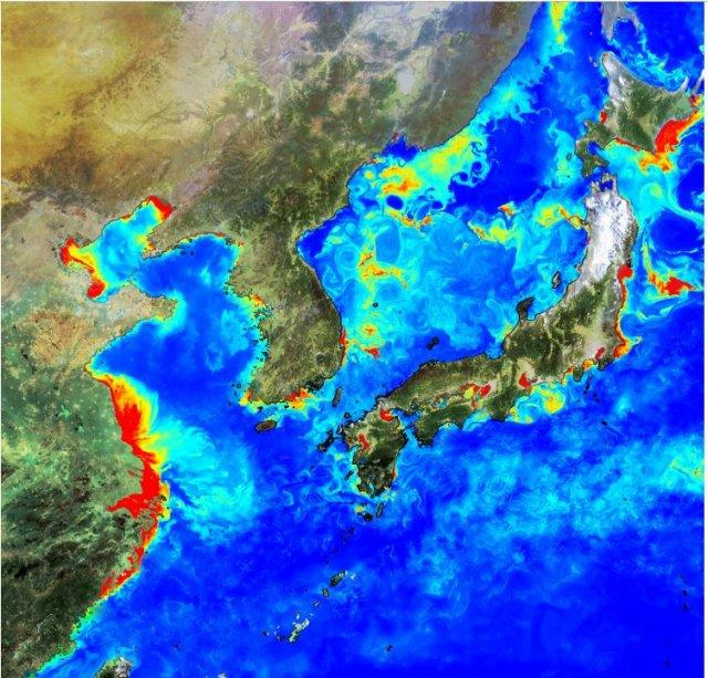 GOCI가 한달동안 한반도 인근 해안을 촬영한 영상에서 구름을 제거했다. 해역별 식물성 플랑크톤의 생산능력을 알 수 있으며 대기로부터 이산화탄소 흡수량을 추정해 동해가 기후변화에 미치는 영향을 알아낼 수 있다. 한국해양과학기술원 제공