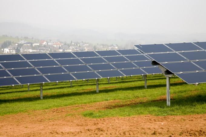 한반도를 뒤덮는 미세먼지가 태양광 발전량을 최대 20%떨어뜨릴 수 있다는 연구결과가 나왔다. 게티이미지뱅크 제공