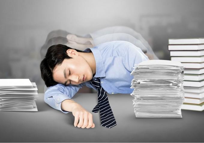 28일(현지시각) 세계보건기구(WHO)가 ′직장인 스트레스 만성피로 증후군′, 일명 번아웃을 제11차 국제질병표준분류기준(ICD-11)에 포함은 시켰지만 ′질병′이 아닌 ′직업 관련 증상′으로 정의한다고 밝혔다.게티이미지뱅크 제공
