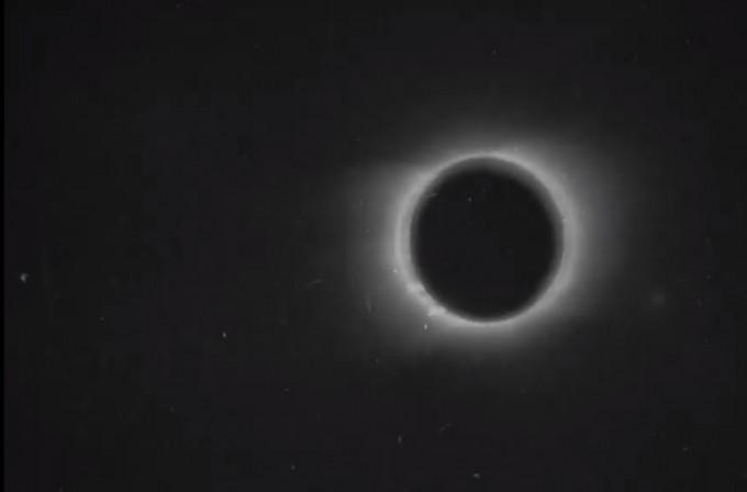119년 전 개기일식을 담은 영상이 디지털로 복원돼 공개됐다. 유튜브 캡처