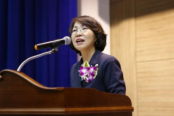 최희윤 KISTI 원장이 17일 열린 창립 57주년 기념식에서 기념사를 하고 있다. KISTI 제공.