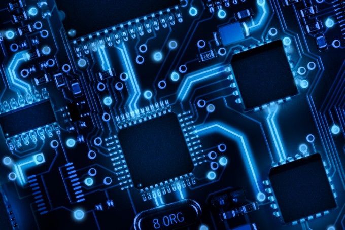 트랜지스터가 작아질수록 반도체 칩에 집적되는 개수가 많아져 소비 전력은 줄이고 성능은 높일 수 있다. 최근 중국과학원에서 3nm 짜리 트랜지스터를 개발했다는 보도가 나왔다. 게티이미지뱅크 제공