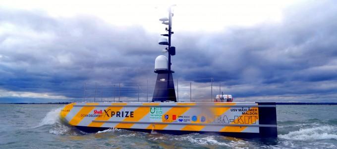 영국 무인 화물선 ′시 키트′가 세계 처음으로 원격 조종만으로 바다 건너 화물을 운송하는 데 성공했다. 시 키트 인터내셔널 제공