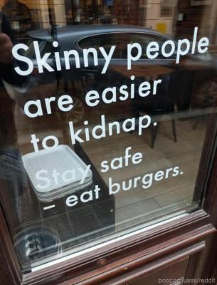 기발한 햄버거 광고 문구