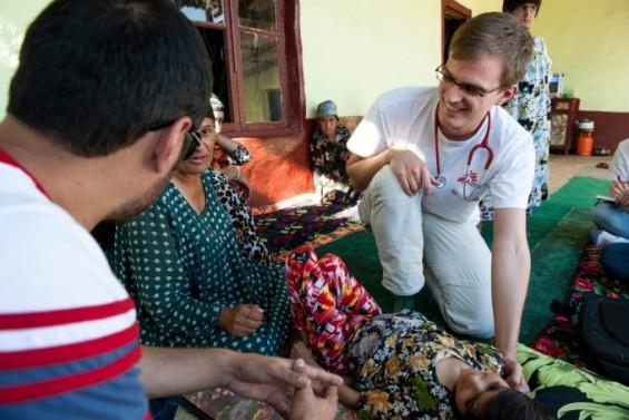 '가난한 사람들' 외면하던 글로벌 제약사들 태도 달라졌다